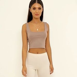 NEW prettylittlething square neck crop top!!